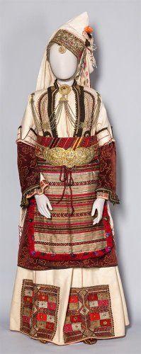   Νυφική φορεσιά με «σαγιά». Επισκοπή Ημαθίας, τέλη 19ου-αρχές 20ού αιώνας Folk Costume, Costumes, Greek Dancing, Folk Fashion, Greek Clothing, Bulgarian, Historical Costume, Folk Art, Greece
