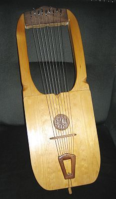 Picture of Sutton-Hoo Lyre or a saxon lyre