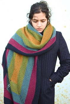 THIS PATTERN HAS INSTRUCTIONS FOR TWO DIFFERENT WEIGHTS, FINGERING AND WORSTED. SEE NOTES BELOW FOR YARN REQUIREMENTS.