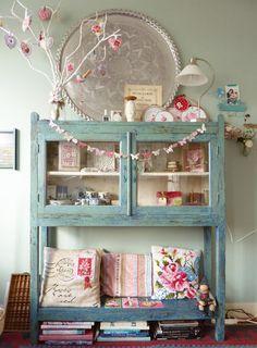 Blue cabinet by eline Pellinkhof