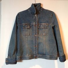 Ellen Tracy jean jacket In great condition!! No flaws! Button cuffs. Ellen Tracy Jackets & Coats Jean Jackets