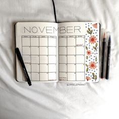Christmas planning layouts are a must! Here are over 15 Christmas planning bullet journal layouts to help prepare you for this holiday season! Bullet Journal Workout, Bullet Journal Junkies, Bullet Journal Themes, Bullet Journal Layout, Bullet Journal Inspiration, Bullet Journals, December Bullet Journal, Bullet Journal Cover Page, Bullet Journal Spread