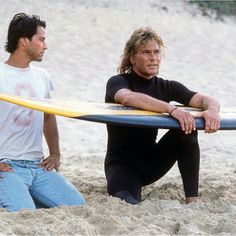 Keanu Reeves and Patrick Swayze - Point Break Patrick Swayze Point Break, Point Break 1991, Solo Learn, Surf Movies, Keanu Reaves, 90s Cartoons, Tough Guy, People Magazine, Music Tv