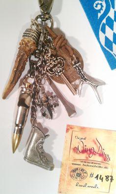 #Survival Charivari nr.1487: #Abwurfstangen, #Patrone #Flaschenöffner, #Geweihstange #Survival #Charivari nr.1487 Schönes Unikat - handmade #Charivari Kette Trachtenschmuck #Massiv mit Karabienerhaken mit vielen #Berlocken Survival Chari Rehstangen/ Hornspitzen #Munition Replikat als Flaschenöffner #Wanderstiefel Zinn #Mettalgeweihstange #Altsilber #Schariwari #Schlüssel #Charianhänger Tier Kralle #Münzanhänger: immer eine Mark mehr als Sie brauchen #Glücksbringer #Hufnagel…