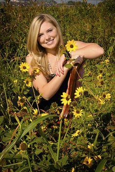 senior pictures ideas for girls   senior_girl_outdoors_sunflowers