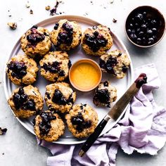 Gluten free blueberry muffins that are low fodmap make for a delicious and healthy breakfast or snack. Easy to make, fluffy gluten free muffins, packed with antioxidant-rich blueberries. If you suffer from digestive issues, this low fodmap muffins recipe is going to be your favorite way to start a day!