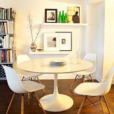 Une salle à manger marquée par l'omniprésence du design contemporain
