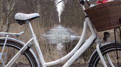 What a canal! - allmost dutch-alike... (like the dutch Diva).. #bike #canal #batavus #Diva