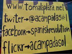 """Fecha: 19/5/11. Hora: 19.55. Tuit original: """"La organización informa desde aquí #acampadasol #notenemosmiedo""""."""