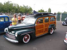 1946 Ford Woody Wagon= my family car of choice. Old body but everything else new. Ahhhhh... one can dream