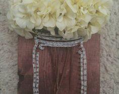 Articles similaires à Art string personnalisé mason jar avec fleurs de faux, pot mason fils tendus, bocal, bocal en boule, fils tendus, arrangement de fleurs, fleurs, original sur Etsy