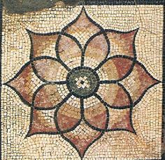 Felicity Ball mosaics: A tricky Roman mosaic design – Art Unicorn Mosaic Diy, Mosaic Tiles, Rock Mosaic, Mosaic Crafts, Mosaic Designs, Mosaic Patterns, Ancient Romans, Ancient Art, Roman Art