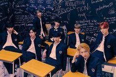 Ep Album, Debut Album, Who Are You School 2015, Itunes Charts, Kpop Profiles, Fandom, Pop Photos, Music Charts, Korean Music