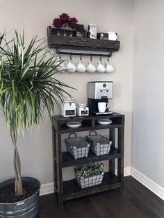 The best way to build your own Coffee Station at the office, these tips will blow your mind Coffee Bar Home, Home Coffee Stations, Coffee Coffee, Coffee Maker, Coffee Shops, Coffee Americano, Ninja Coffee, Coffee Bar Ideas, Coffee Vodka