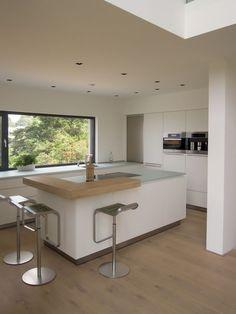 Hier finden Sie eine Auswahl von verschiedenen Lösungen realisierter Küchen und Planungsbeispielen der Hersteller Eggersmann, Rational, Alno & Wellmann und Ballerina.
