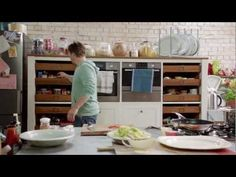 ▶ S01E06 Jamies 15 Minute Meals.Lamb.Lollipops.and.Prawn.Linguini.mkv - YouTube