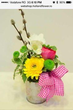 Aranjament cu frezia si gerbera Gerbera, Vase, Plants, Home Decor, Decoration Home, Room Decor, Plant, Vases, Home Interior Design