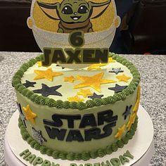 Yoda Happy Birthday, Blue Birthday, Star Wars Birthday, 4th Birthday Parties, Star Wars Cake, Star Wars Party, Alien Cake, Yoda Cake, Cupcake Cakes