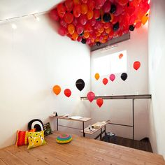 marimekko exhibition by schemata architects fills gallery with balloons Street Installation, Colourful Balloons, Space Party, Space Architecture, Child Day, Exhibition Space, Marimekko, Window Design, Architect Design