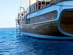 Noleggio caicco di lusso Sardegna Italia con equipaggio professionale. vieni ad esplorare la costa e osa vivere  Dream Boat Cruise Holidays Gulet Charter Italy. Www.yachtboutique.eu #yachtcharter #charteryacht #travel #boatholiday #winetravel #woodboat #yachtholiday #yacht #boatrental #charterholiday #Mediterranean #yachtrental #boathire #bluecruise #costiera #boatlife #vacanzainitalia#vacanza#travel #boathire#vacanzaitaliane#dreamholiday#noleggio #caicco #equipaggio #costa…