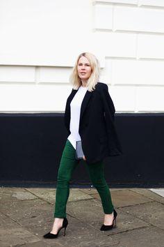 Тренд: зеленая замша в уличных образах 2