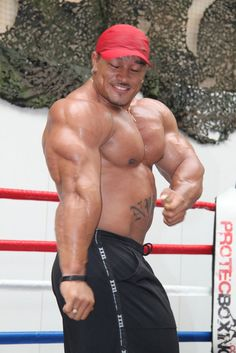 roelly http://the-swole-strip.tumblr.com/