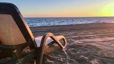 Planen Sie schon ihre Sommerreise 2021 – was zu beachten ist Mit Buchung einer Pauschalreise rechtlich am besten abgesichert – wo Stolperfallen lauern. Hier alle Details. Reisen Surfboard, Tour Operator, Vacation Package Deals, Vacation Places, Travel Report, Surfboards, Surfboard Table