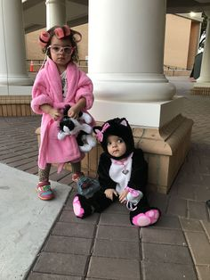 crazy cat lady toddler halloween costume and her baby sister as a kitten sibling halloween costumes toddler halloween costume ages 2 and 10 months