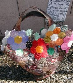 $10 hexagon pattern  Grandmother's Garden Tote  RoadHomeQuilting.Etsy