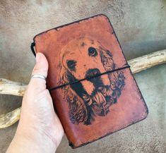 #tobaccopouch #leatherwork #leathercraft  #leatherburning #leatherjourn #midori #fauxdori #dog #dogdrawing #leatherplanner #leatherbookcover #bookcover #journal #planner #diary  #byeleana #leatherart Leather Book Covers, Leather Books, Leather Cover, Leather Diary, Leather Journal, Old Art, Leather Accessories, Pyrography, My Bags