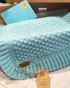 Crochet blanket: 60 step-by-step ideas and DIY videos Crochet blanket: 60 step-by-step ideas and DIY videos , Colcha de crochê: 60 ideias e vídeos passo a passo para você fazer a sua , crochê Source by ca. Baby Knitting Patterns, Free Baby Blanket Patterns, Easy Baby Blanket, Knitting Stitches, Knitted Baby Blankets, Knitted Blankets, Baby Blanket Crochet, Crochet Baby, Crochet Quilt