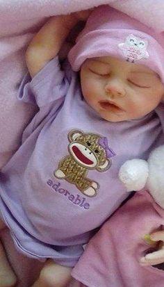 Stunning reborn baby girl custom By Jennifer Granado - Reborns.com