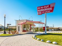In-N-Out Burger – Opened 1948 in Baldwin Park, California Vintage Restaurant, Fast Food Restaurant, Restaurant Kitchen, Baldwin Park California, Sausage Cassoulet, Learn French Fast, Perfect Baked Potato, Best Macaroni And Cheese, Braised Brisket