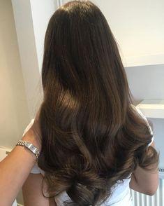 Revelado o segredo para crescer o Cabelo três vezes mais rápido Doğal Tarif - Şifalı Kür Tarifleri - Mücize Kür Tarifi Hair Inspo, Hair Inspiration, Rebonded Hair, Short Wavy Hair, Straight Hair, Aesthetic Hair, Hair Day, Pretty Hairstyles, Brunette Hairstyles