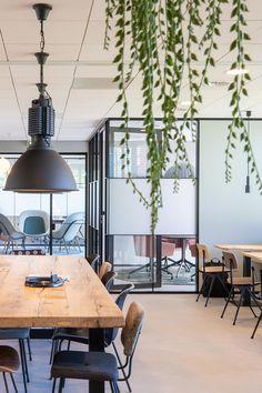 Modern Office Design, Office Interior Design, Office Interiors, Glass Office, Green Office, Tiny House Cabin, Study Office, Inspired Homes, Interior Inspiration