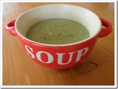 Vegan creamy spinach and potato soup. Recipe at http://veggie-recipes.net/vegan-creamy-spinach-and-potato-soup/