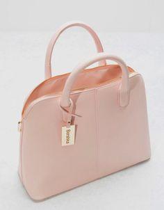 Bolso lady saffiano – Bolsos – Bershka Colombia leather handbags diy – purses and handbags diy Cute Handbags, Purses And Handbags, Cheap Handbags, Handbags Online, Luxury Handbags, Chanel Handbags, Fashion Handbags, Fashion Bags, Diy Fashion