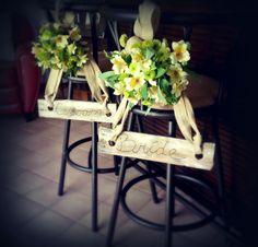 Fall Bride and Groom Signs - DIY Wedding Decor #diy #wedding