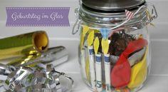 Geburtstag im Glas oder kreative Geldgeschenke basteln leicht gemacht: Wir haben eine süße Idee für ein Geldgeschenk zum Geburtstag für euch.