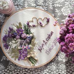 Kendimi kaybederek çiçekler işlediğim bir çalışma oldu  Hayırlı akşamlar  #embroidery #homedecor #homesweethome #güzelevim #evim #dekorasyon #ceyizhazirligi #ceyiz #ceyizlik #nişan #düğün #sunumduragihobi #sunum #10marifet #nisantepsisi #nisanelbisesi #nisanpastasi #nisantepsisimodelleri