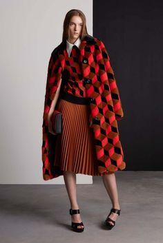 Юбка, как и платье по истине считается одеждой для настоящей женщины...