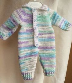This is based upon a couple of patterns that weren't quite right so I mashed together therefore this is a FREE pattern :) It is also a rewrite in parts of the Drops Designs Baby Blues Romper.…