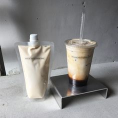 Coffee Milk, Coffee Art, Iced Coffee, Coffee Drinks, Coffee Shop, Aesthetic Coffee, Aesthetic Food, Coffee Photography, Food Photography