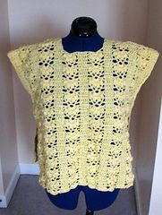 Ravelry: Daisy Box Poncho pattern by Donna Collinsworth.. Free pattern!