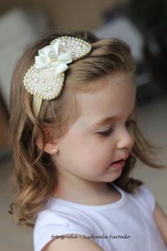 Laço de perolas e stass, pode ser feita na tiara, clips ....