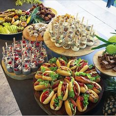 47 Ideas Bridal Shower Brunch Food Ideas Sticks - New ideas Appetizer Buffet, Appetizers Table, Appetizers For Party, Appetizer Recipes, Mini Food Parties, Wedding Appetizer Table, Appetizer Table Display, Fancy Party Food, Iftar