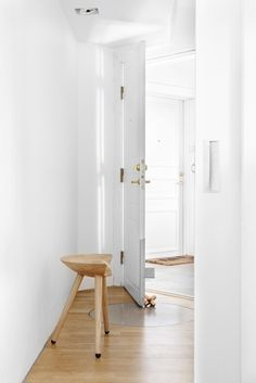 Small white and wood Oslo apartment 5