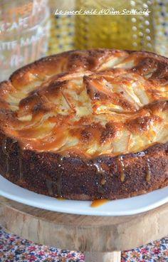Gâteau au yaourt pommes et caramel beurre salé | Le Sucré Salé d'Oum Souhaib