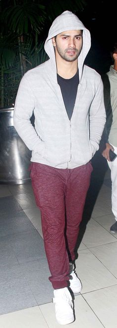 Sridevi, Hrithik Roshan, Sonakshi Sinha and a host of popular Bollywood stars were snapped by shutterbugs at the Mumbai airport Celebrity Crush, Celebrity Style, Handsome Indian Men, Mumbai Airport, Bollywood Stars, Bollywood Fashion, Alia And Varun, My Baby Daddy, Indian Man
