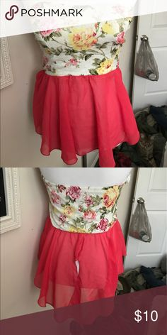 Floral peplum top 🎊 Get this great Top today! Hardly been worn! 💯 smoke free home Tops Blouses